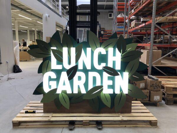 Lichtgevende gevelletters voor Lunch Garden uit rvs